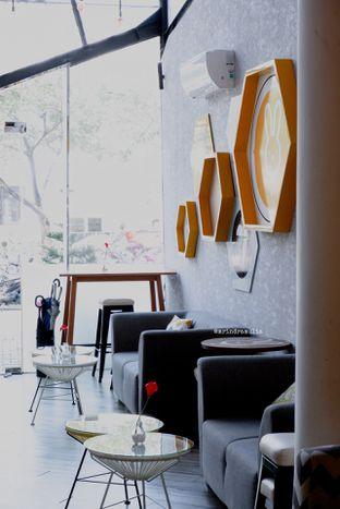 Foto 11 - Interior di MOONI Artisan Gelato oleh Indra Mulia