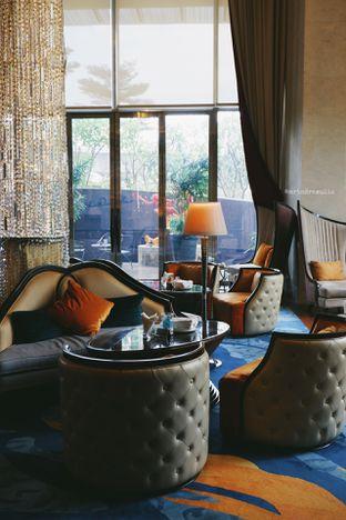 Foto 41 - Interior di The Writers Bar - Raffles Jakarta Hotel oleh Indra Mulia