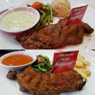 Foto 9 - Makanan di Steak Hotel by Holycow! oleh Theodora