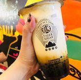 Foto Brown sugar pearl milk with cream mousse di Tiger Sugar