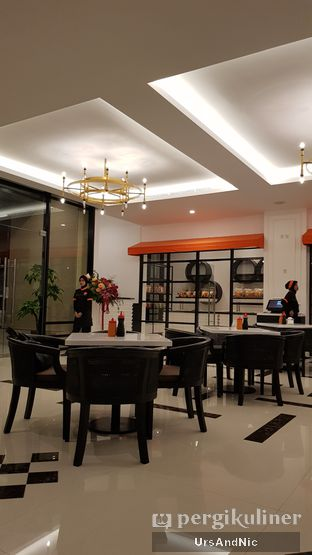 Foto 7 - Interior di Henis oleh UrsAndNic