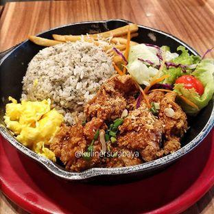 Foto - Makanan(garlic fried bang rice set) di Chir Chir oleh kuliner surabaya