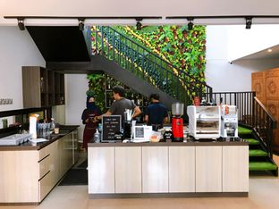 Foto 16 - Interior di Likely Cafe & Resto oleh yudistira ishak abrar