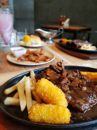 Foto review Steak Hut oleh Rizky Sugianto 1