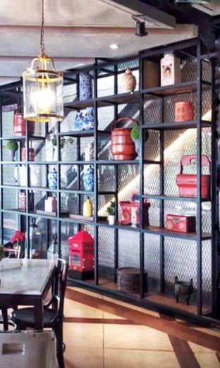 Foto 9 - Interior di KAJOEMANIS oleh Gembuli Tan