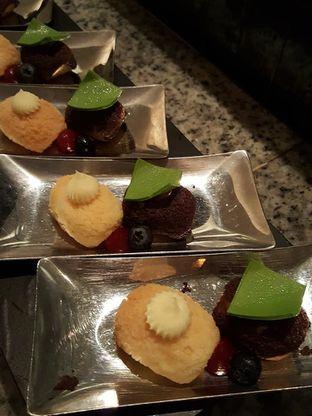 Foto 16 - Makanan di Spectrum - Fairmont Jakarta oleh Stallone Tjia (@Stallonation)