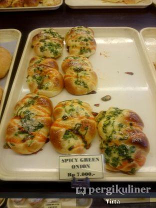 Foto 22 - Makanan di Clover Bakery oleh Tirta Lie