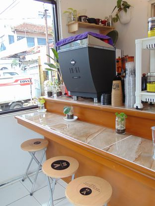 Foto 6 - Interior di VSIXTY COFFEE oleh Kuliner Addict Bandung