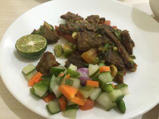 Foto 2 - Makanan di Soto Pak J oleh Theodora