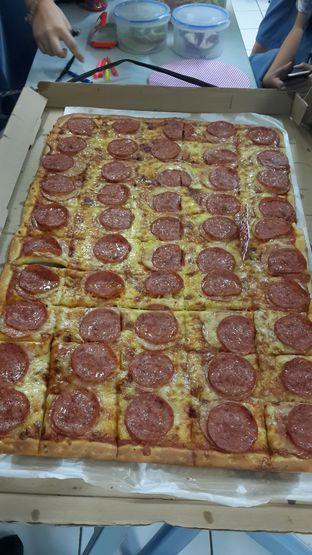 Foto - Makanan di Henk's Pizza oleh Olivia @foodsid