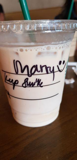 Foto review Starbucks Coffee oleh Meri @kamuskenyang 1