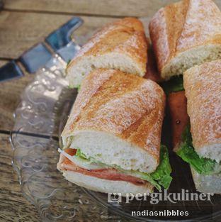 Foto 5 - Makanan(Baguette Salmon) di Sophie Authentique French Bakery oleh Nadia Felita Sari