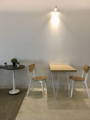 Foto 31 - Interior di Aiko Coffee oleh Prido ZH