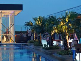 foto Skyview Pool & Bar - Mercure Hotel