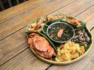 Foto 5 - Makanan(Seafood Platter) di Dapur Seafood oleh Lia Harahap