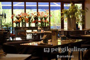 Foto 7 - Interior di Blue Terrace - Ayana Midplaza Jakarta oleh Darsehsri Handayani