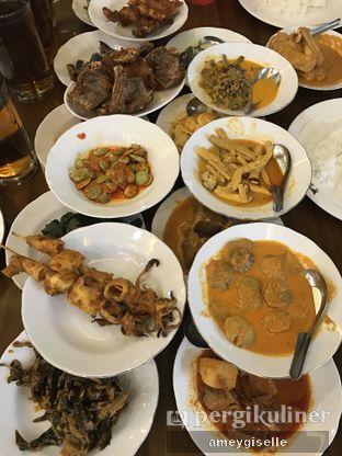 Foto 1 - Makanan di RM Indah Jaya Minang oleh Hungry Mommy