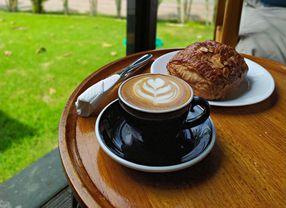 9 Coffee Shop di Dukuh Pakis Surabaya yang Wajib Dicoba