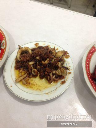 Foto 2 - Makanan(Cumi Saus Mentega) di Sari Laut Kapasan oleh zizi