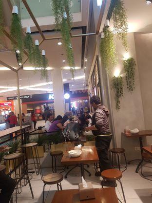 Foto 4 - Interior di Crunchaus Salads oleh Yuli || IG: @franzeskayuli