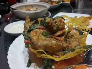 Foto 2 - Makanan(Deep Fried Prawn with Corn in Salted Egg Yolk) di Imperial Chef oleh @stelmaris