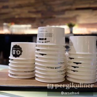 Foto 11 - Interior di GB Bistro & Dessert oleh Darsehsri Handayani