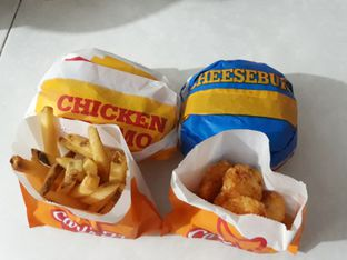 Foto 1 - Makanan di Carl's Jr. oleh fnny