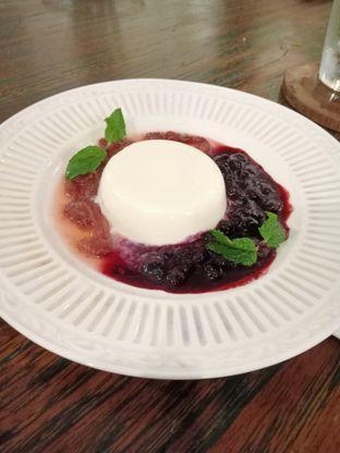 Foto 1 - Makanan(Pannacotta) di Onni House oleh Florentine Lin