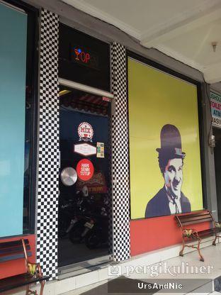 Foto 1 - Eksterior di Mix Diner & Florist oleh UrsAndNic