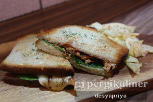 Foto 3 - Makanan(Grilled Chicken BBQ) di Qubico Coffee oleh Desy Apriya