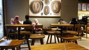Foto 4 - Interior di Starbucks Coffee oleh Jenny (@cici.adek.kuliner)