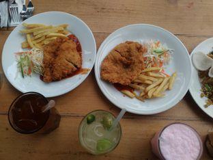 Foto review Eat Boss oleh Annisaa solihah Onna Kireyna 3