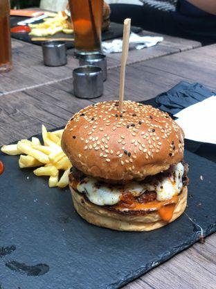 Foto 1 - Makanan di Dope Burger & Co. oleh Maria Marcella
