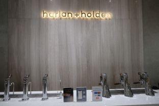 Foto 1 - Interior di Harlan + Holden Because Coffee oleh Pengembara Rasa