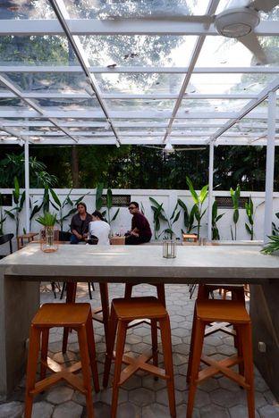 Foto 11 - Interior di Simetri Coffee Roasters oleh yudistira ishak abrar