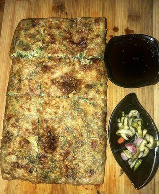 Foto 4 - Makanan(MARTABAK TELOR CLASSIC) di Martabak Bruno oleh GetUp TV