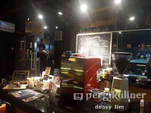 Foto 4 - Interior di Tamper Coffee oleh Deasy Lim