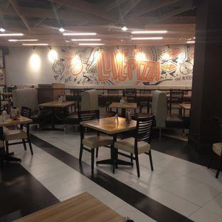 Foto 9 - Interior di Pizza Hut oleh felita [@duocicip]