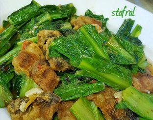 Foto 3 - Makanan(Lindung Cah Fumak) di Mandala Restaurant oleh Stanzazone