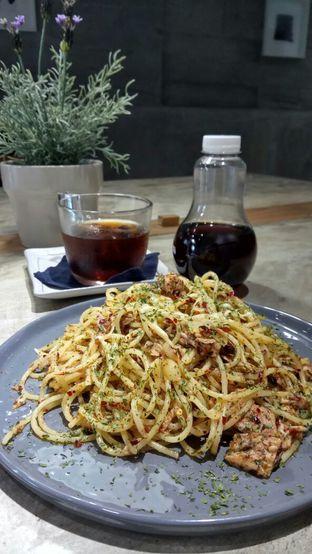Foto 1 - Makanan(Spaghetti Tuna Aglio Olio) di Cotive oleh YSfoodspottings