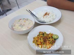 Foto 2 - Makanan di Soto Pak J oleh Kevin Leonardi @makancengli
