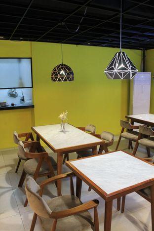 Foto 3 - Interior di Brouwen Coffee & Kitchen oleh Prido ZH