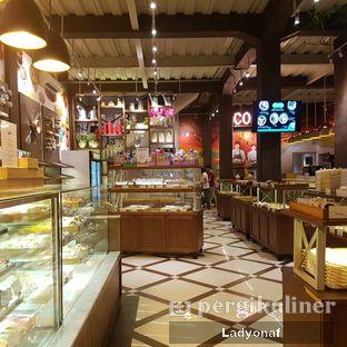 Foto 6 - Interior di Royale Bakery Cafe oleh Ladyonaf @placetogoandeat