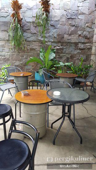 Foto 8 - Interior di Kaffeine Kline oleh UrsAndNic