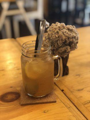 Foto 3 - Makanan(Ice Honey Lemon Tea) di Ciknic Roast Chicken oleh YSfoodspottings