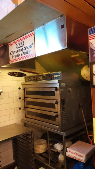 Foto 2 - Interior di Pizza Place oleh Life  For Eat