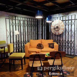 Foto 1 - Interior di Kopi Boutique oleh Ladyonaf @placetogoandeat