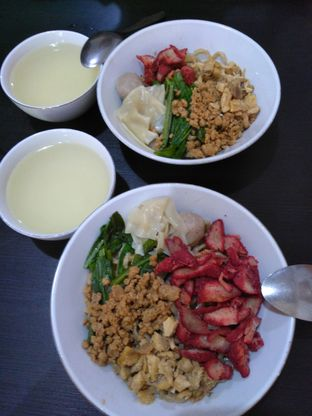 Foto 2 - Makanan di Bakmi Ka Heng oleh Theresia Yoshiana