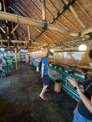 Foto 7 - Interior di Kedai Sunda Cipayung oleh Riani Rin