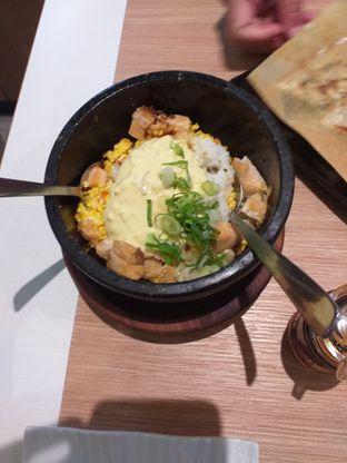 Foto 1 - Makanan(Ishiyaki-Chaofan Salmon) di Bariuma Ramen oleh Jonathan Kristian